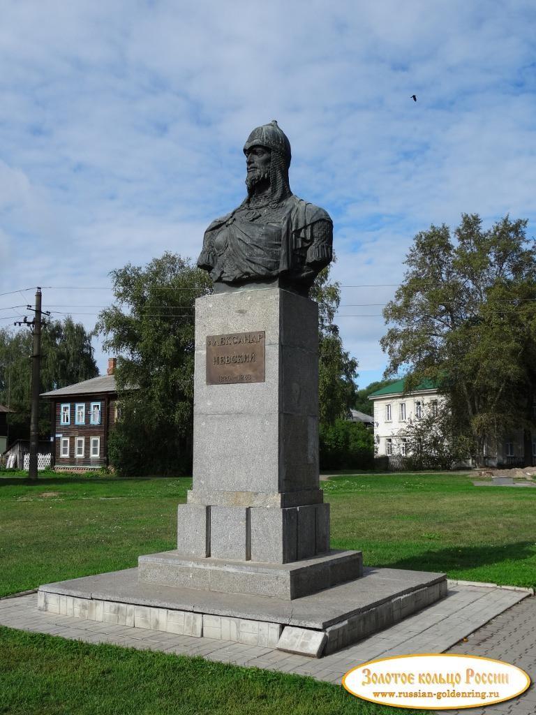 Резные памятники Переславль-Залесский памятник с сердцем Александров